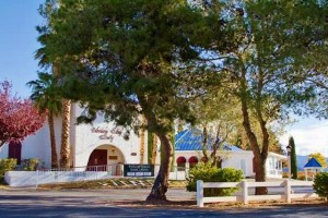 Pahrump-Valley-Winery-&-Symphony's-Restaurant
